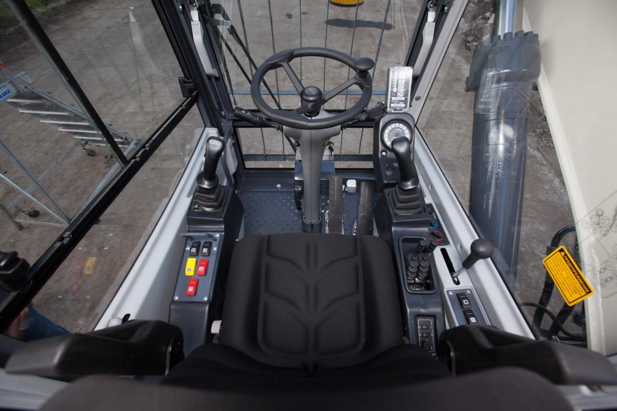 Индустриальный перегружатель колесный RM-Terex TVEX 180i