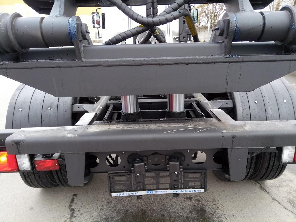 МСК-5NP машина со сменными кузовами на шасси ISUZU