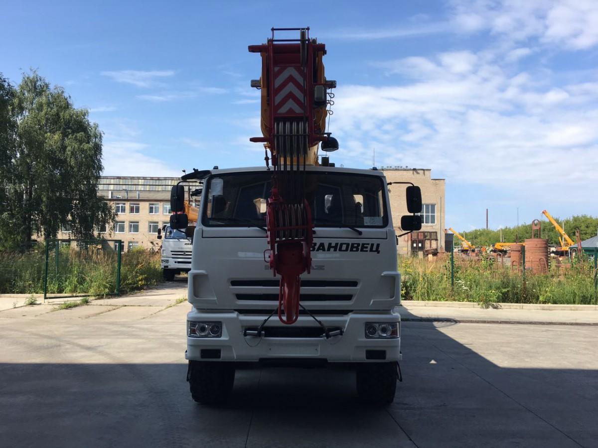 Автокран КС-65740-7 на шасси Камаз-63501